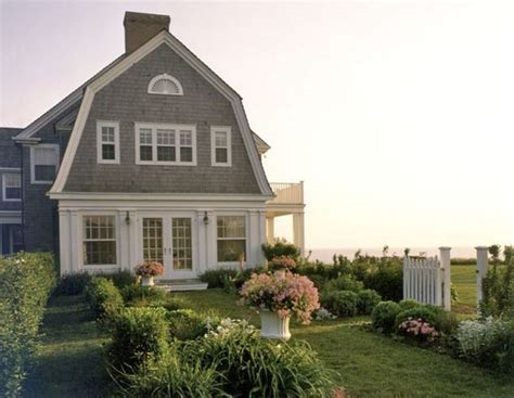 gambrel colonial dutch colonial pinterest gambrel roof and house best