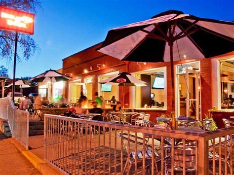 top 10 bars in denver nfl bars these are denver s 10 best bars to eat bar food and watch nfl for every type