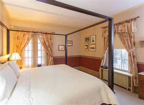camden maine bed and breakfast camden maine in town bed breakfast for sale the b b team