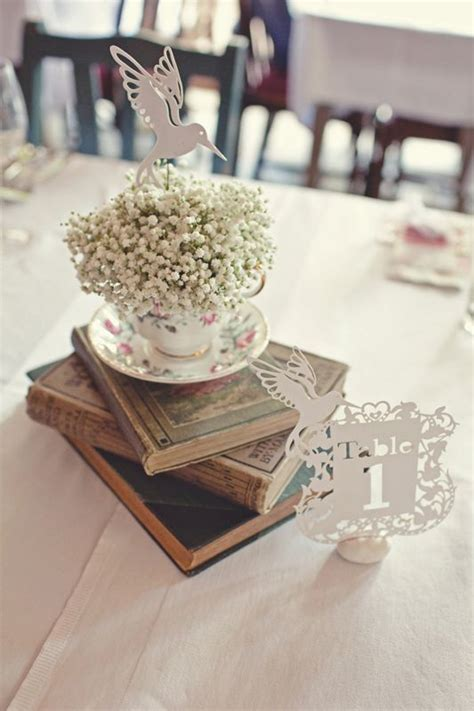 1000 Ideas About Vintage Table Decorations On Pinterest Vintage Table Centerpieces