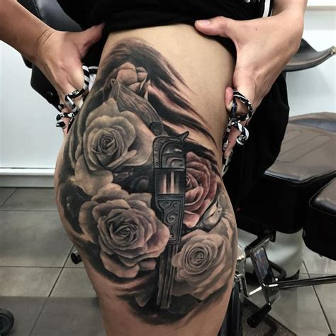 gun and roses tattoo flowers tattoo pinterest tattoo