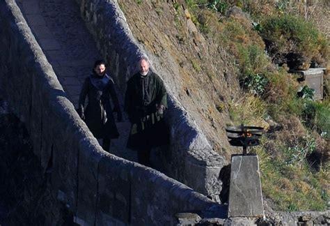 cast game of thrones dragonstone got season 7 filming davos and jon on dragonstone