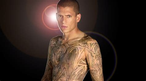 wentworth miller tattoos wentworth miller teases return in prison revival