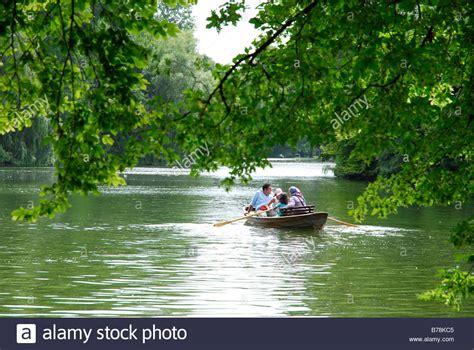 englischer garten ruderboot englischer garten englischer garten und kleinhesseloher