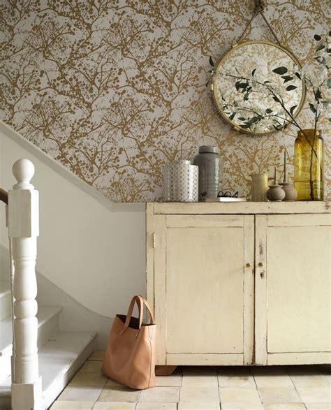 gold wallpaper hallway top 25 ideas about house beautiful on pinterest villas
