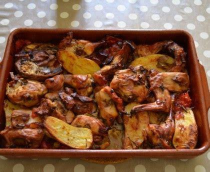 cuisiner rable de lapin lapin r 244 ti au four qui cuit tout seul recette de lapin