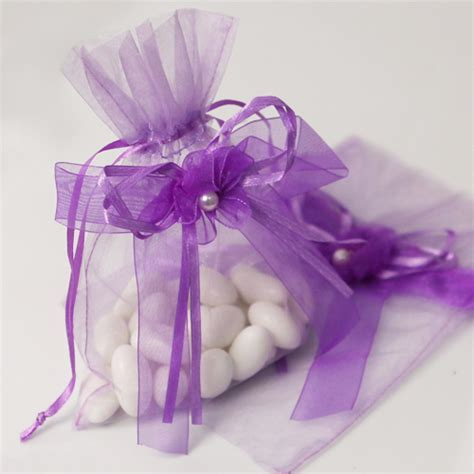 http://www.lafavoritafavors.com/lavender organza bag with