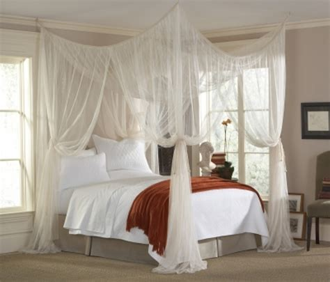 White Canopy Bed White Canopy Bed 28 Images Hayworth Canopy Bed Antique White Pier 1 Imports