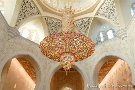 Visiting Sheikh Zayed Grand Mosque In Abu Dhabi Travel Sheikh Zayed Mosque Chandelier