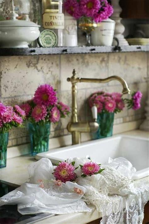 fiori in cucina i fiori nella cucina shabby chic idee per arredare con