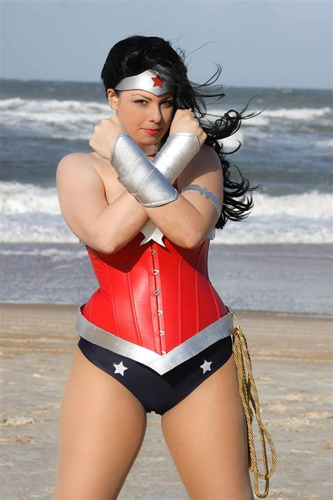 wonder woman new 52 wonder woman cosplay new 52 by hoodedwoman deviantart