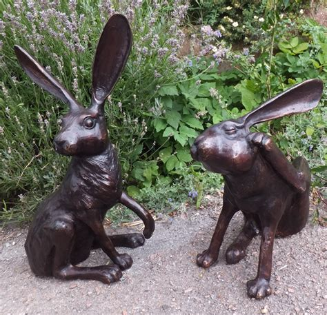 Home Decorative Items bronze hare statue scratching antique garden items and