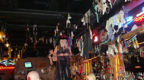 coyote ugly saloon ugly pix halloween