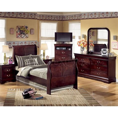 pruitts bedroom furniture 31 best stuff for sevie images on pinterest