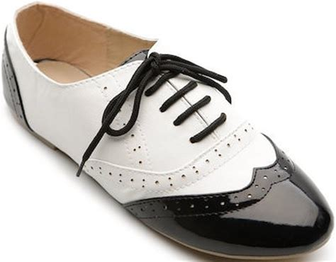 lace up black and white s low flat shoes