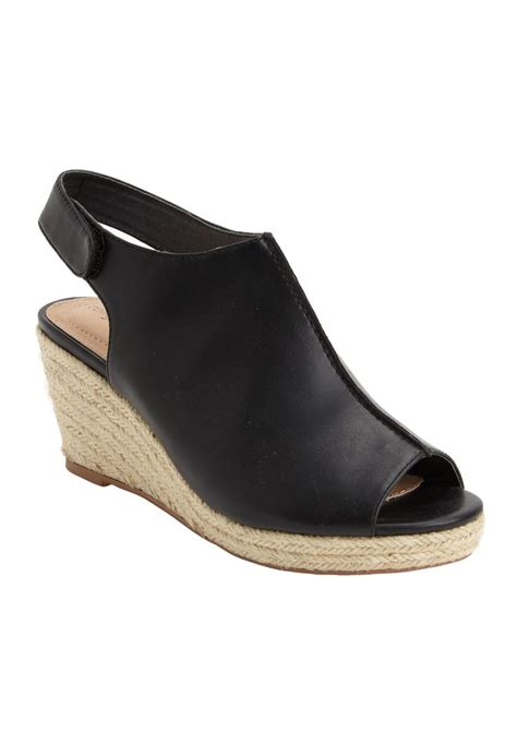 big size shoes c 32 best wide width wedges images on pinterest shoes