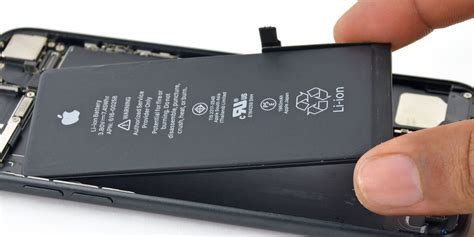 apple temporarily drops price  iphone battery