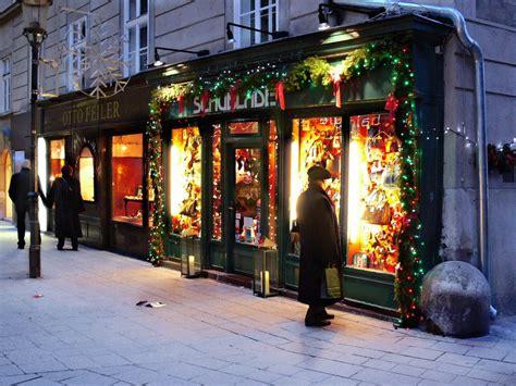 panoramio photo of christmas shop window