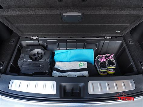 infiniti qx60 trunk space storage compartment in rear cargo area is a nice place to