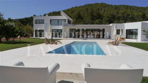 villa haus kaufen moderne luxusvilla kaufen emphit