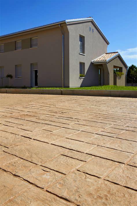 pavimento esterno prezzi pavimento esterno cemento stato prezzi