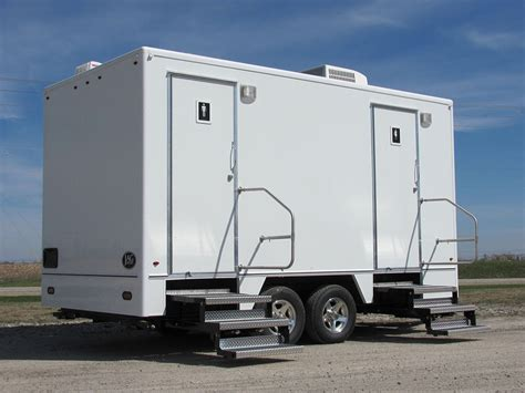 bathroom trailers classic restroom trailer blue ribbon restroomsblue
