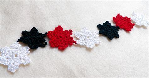 crochet pattern snowflake garland art threads monday project snowflake garland