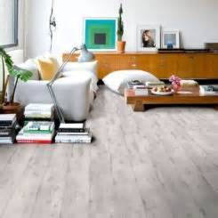 how to clean laminate wood floors without doing damage