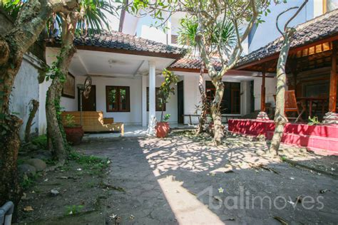 three bedroom houses rent beachside house in three bedrooms for rent in sanur