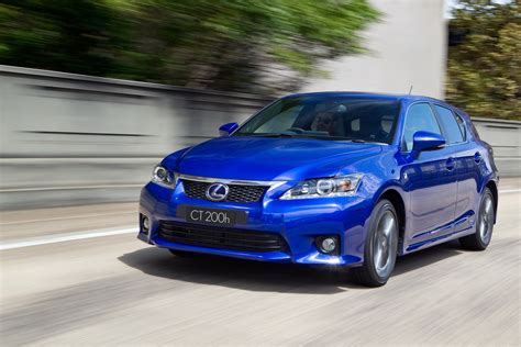 lexus curtains toyota prius and lexus ct 200h recalled for curtain airbag