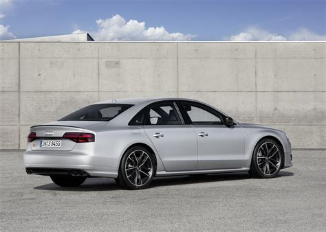 audi unveils s8 plus with 605 hp and 305 km h top speed