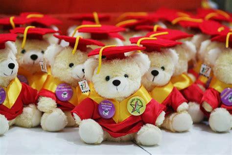 Boneka Wisuda Teddy kabowi produsen boneka wisuda plakat souvenir graduation