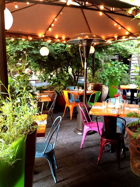 Patio Restaurants by 25 Best Ideas About Restaurant Patio On Small
