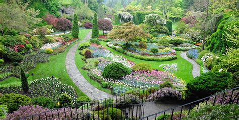 the most beautiful gardens in the world top 28 the most beautiful gardens in the world book