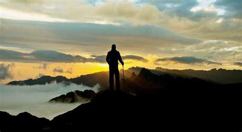 kumpulan kata kata mutiara pendaki gunung romantis penuh motivasi kitabijak