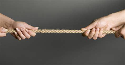 rug of war tug of war can be a dangerous expert warns cbs news