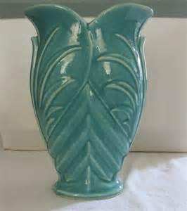 mccoy pottery early 1940 s green vase