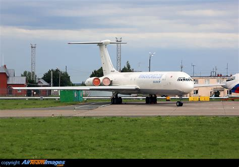 ilyushin il 62mgr ex 62001 aircraft pictures photos airteamimages