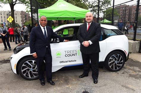 bmw vans and trucks bmw donates 20 i3s to nyc parks