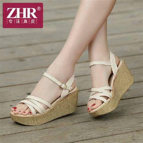 Sepatu Wanita Silang 1 sepatu sandal wedges model terbaru desain tali silang