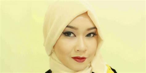 tutorial rias alis mata tutorial rias wajah natural dengan eyeliner dan eyeshadow