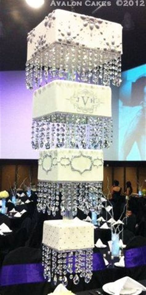 chandelier cake 1000 ideas about chandelier cake on cakes