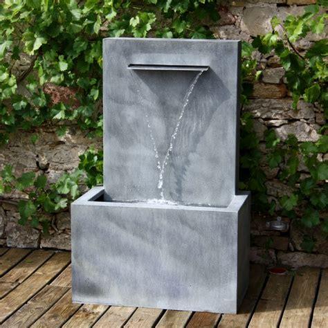 gartenbrunnen stein modern wandbrunnen aus zink fascio gartentraum de