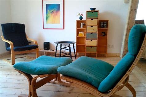 sofa kuschelig kuschelig unter der rote buche es un apartamento de