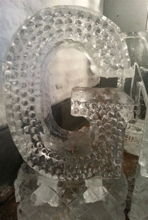 Muzzy Ice Service   Ice Sculptures / Ice Carvings for