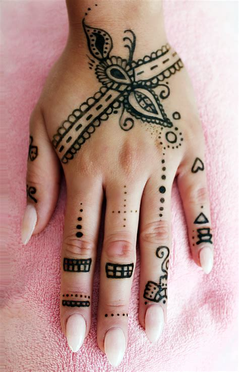 henna tattoo machen lassen 29 model henna muster leicht makedes