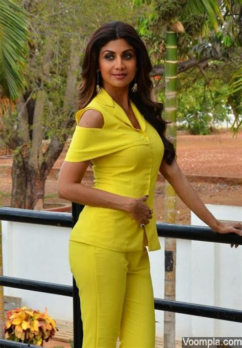 hindi film actress age top 10 bollywood actresses who don t look their age
