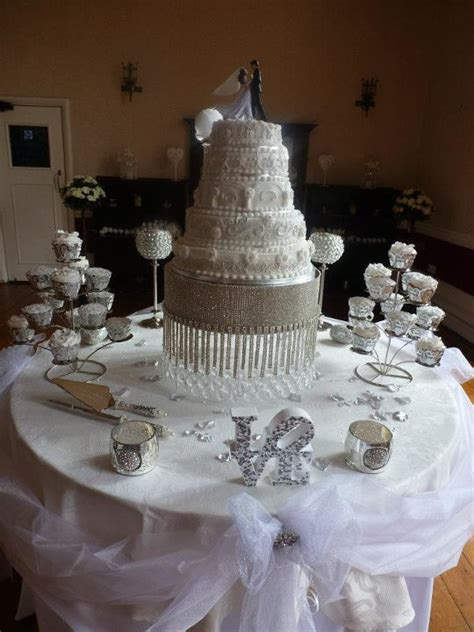 Cake Table Ideas by Wedding Cake Table Weddingbee Photo Gallery