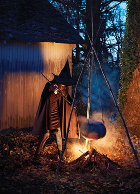 Scary Outdoor Decorations by 25 Best Ideas About Scary Decorations On