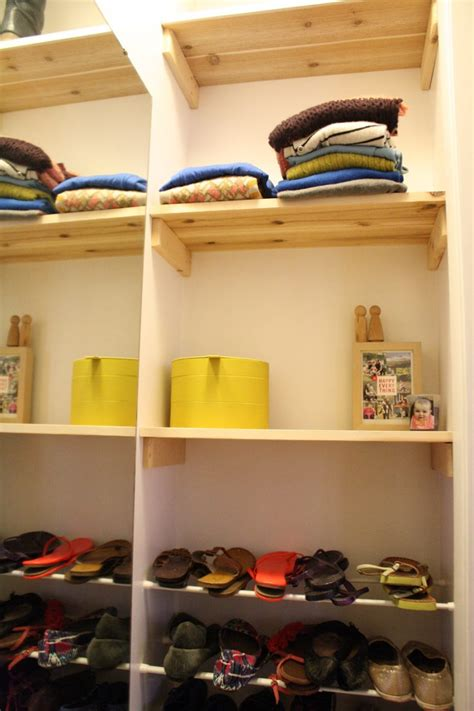 redesign a normal closet as a walk in closet merrypad